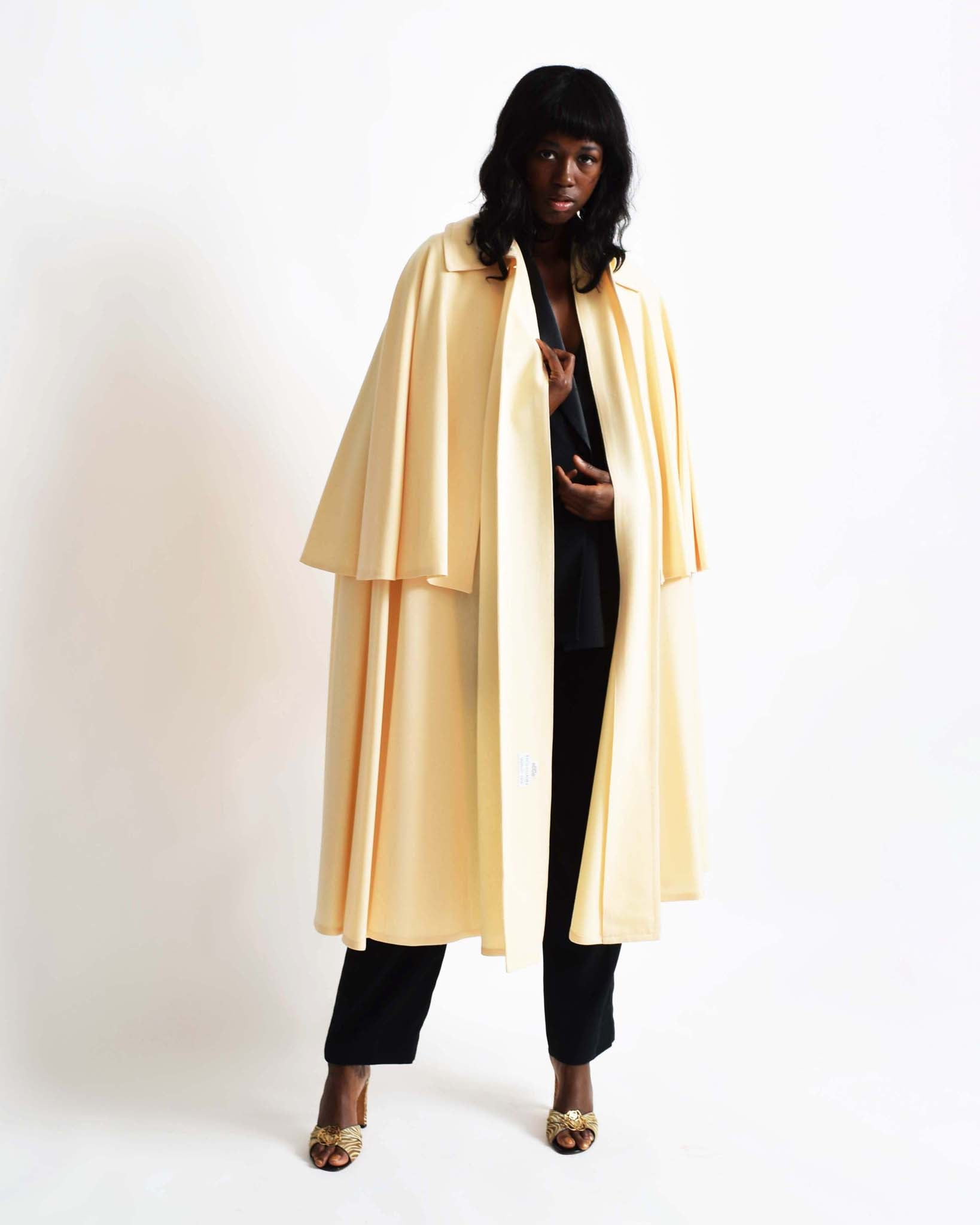 Vintage 1970s Tiered Cape