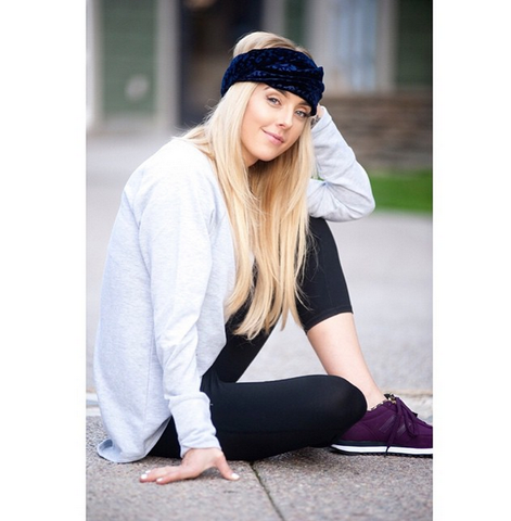 Lauryn Evarts The Skinny Confidential rocking an I'm With The Band turban