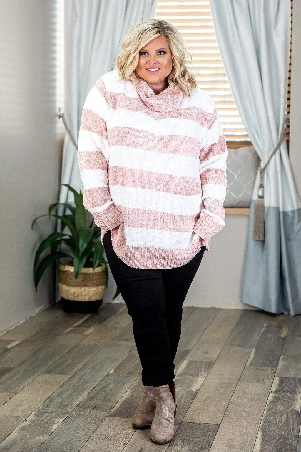Glitzy Girlz Boutique Curvy Cabin Fever, Ivory/Blush, Plus Size Top
