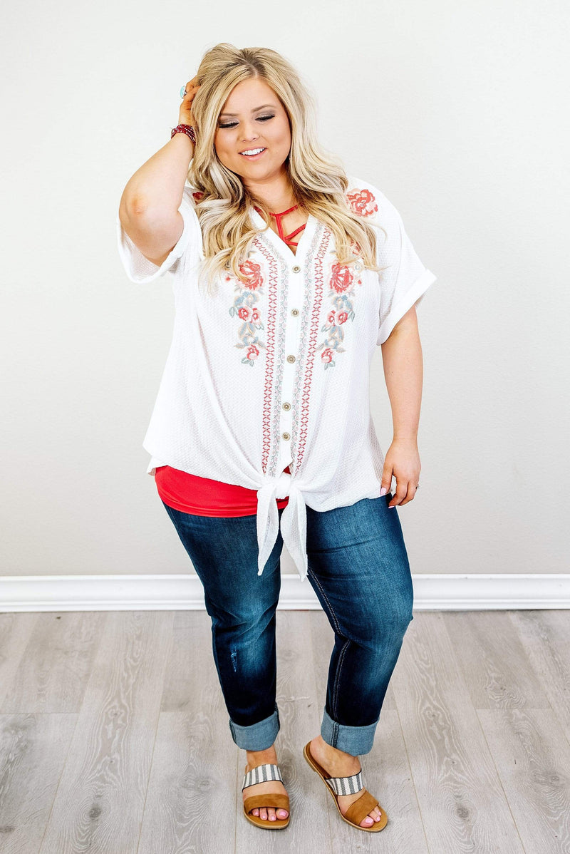 Glitzy Girlz Boutique Curvy When In Rome Top, Ivory
