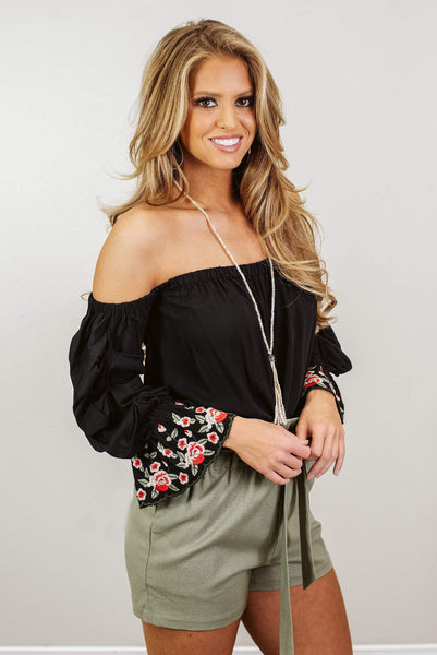 Glitzy Girlz Boutique Falling Into Floral Top, Black