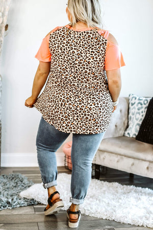 Glitzy Girlz Boutique Key To My Heart coral | Plus Size Top