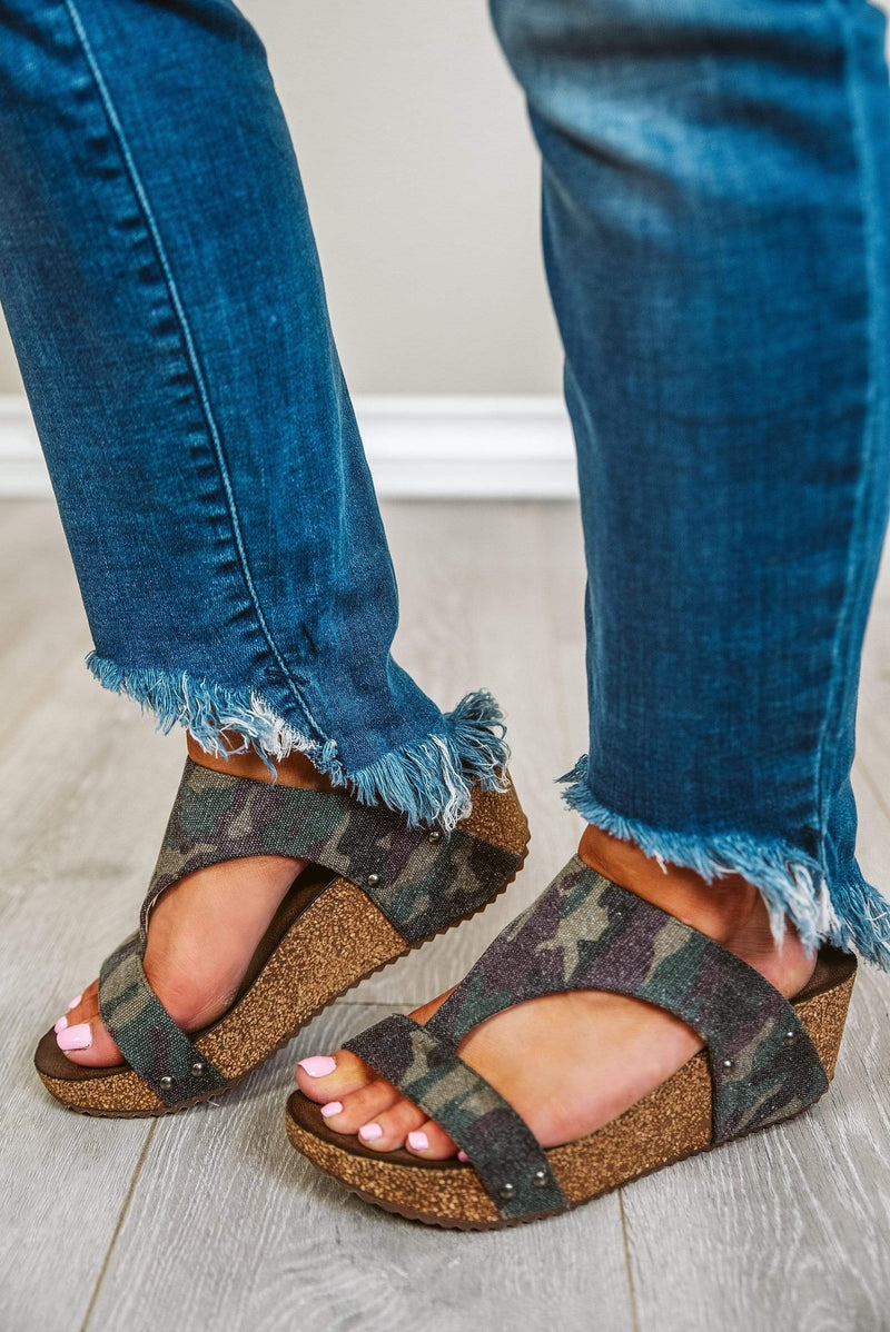 Glitzy Girlz Boutique Lilo Wedge Sandal, Camo