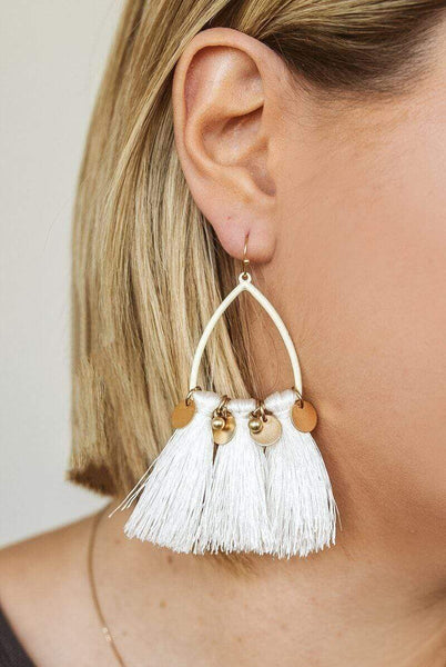 Glitzy Girlz Boutique Trending Now Earrings, Ivory