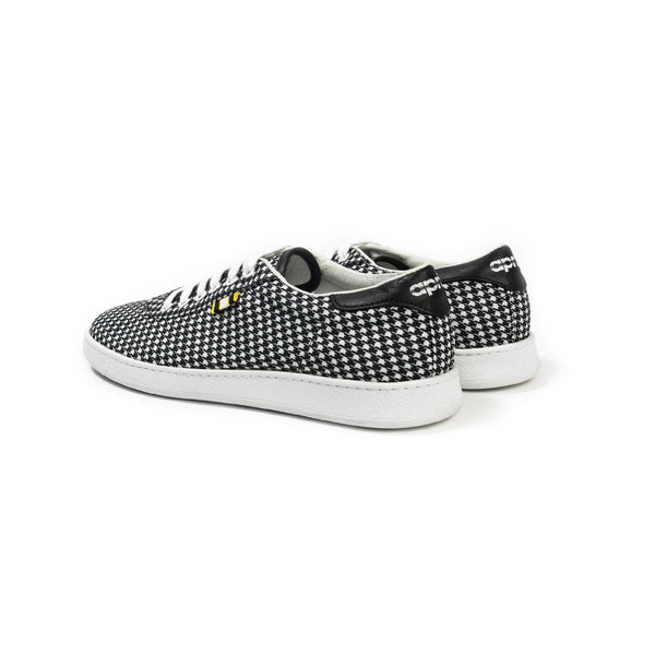 APR002 Houndstooth Low