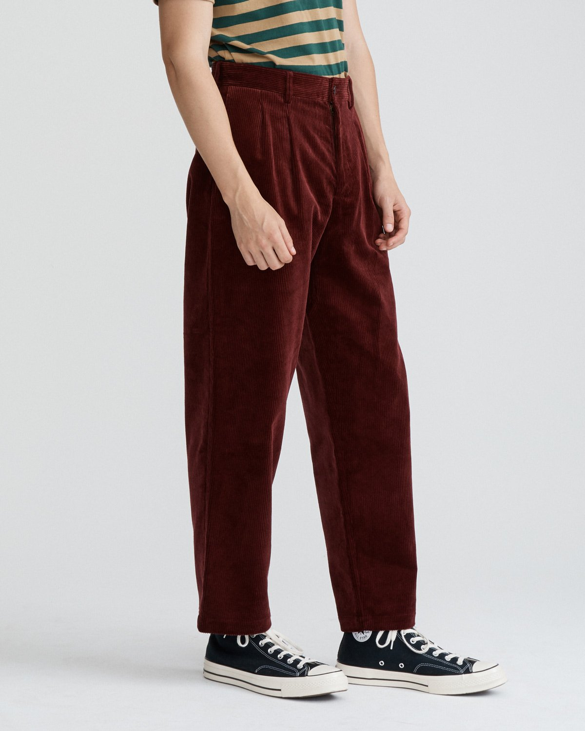 color:maroon