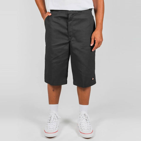 "DICKIES - 13"" TWILL MULTI POCKET LOOSE FIT SHORTS - BLACK"