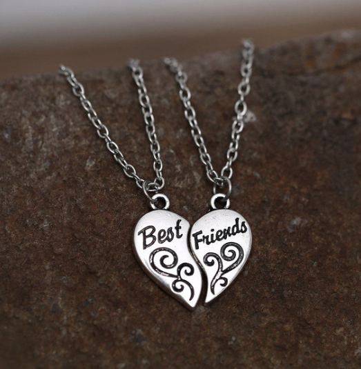 Best Friends 2 Piece Heart Necklace ***FREE SHIPPING***