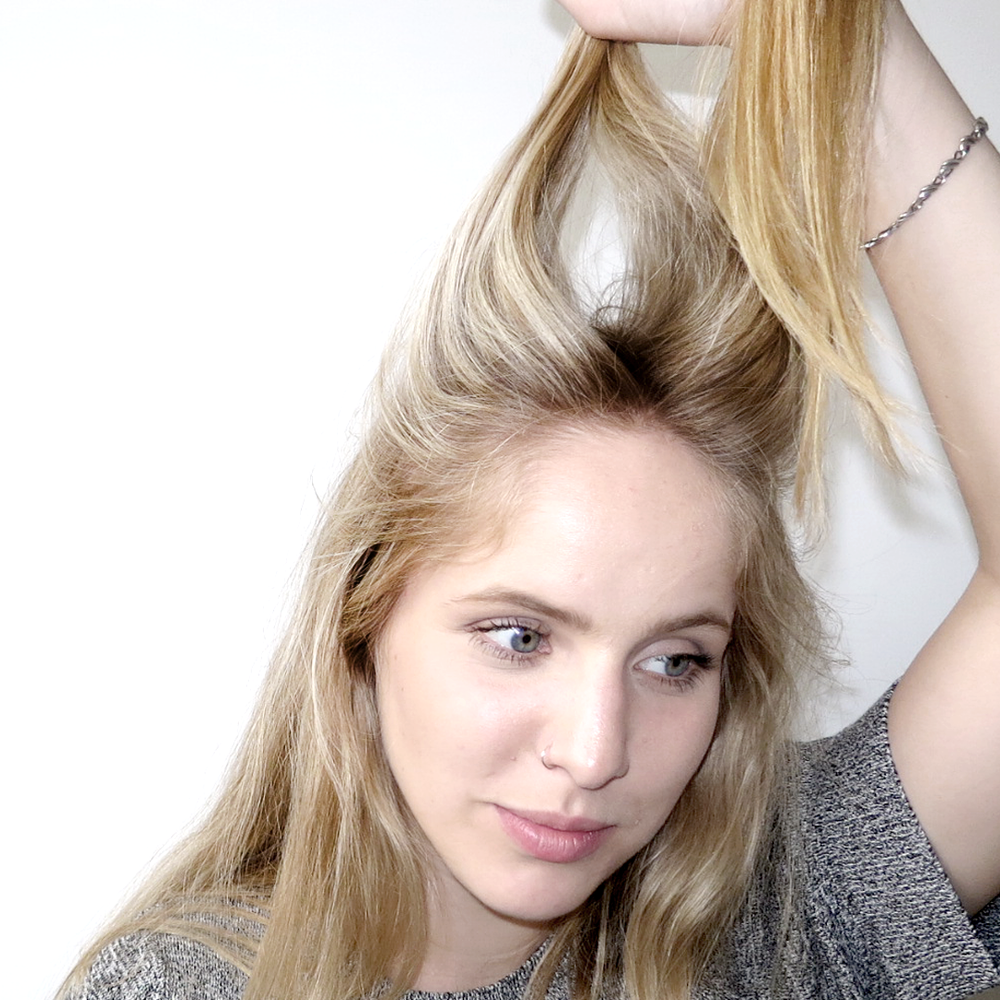 DIY BED HEAD GLAM IN 5 EASY STEPS