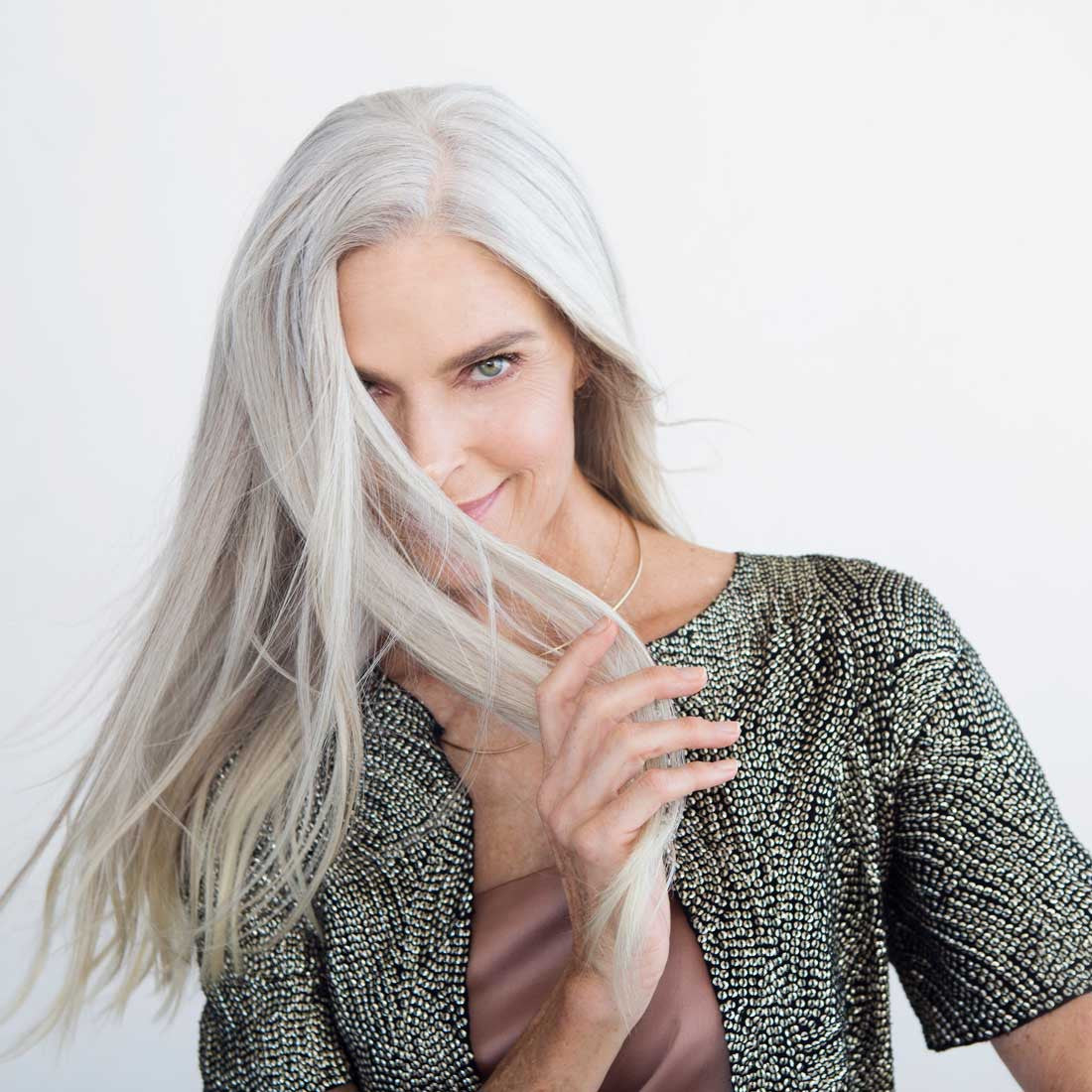 WHAT YOU CAN LEARN FROM WOMEN WHO EMBRACE THEIR GRAY HAIR