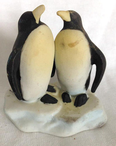 "Penguin Couple Statue (4"" Tall)"