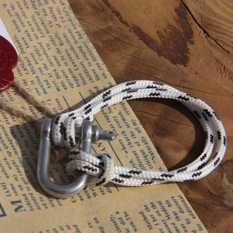 Shackle Bracelet White