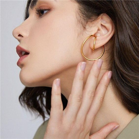 Geometric Distortion Irregular Curve Clip Earrings