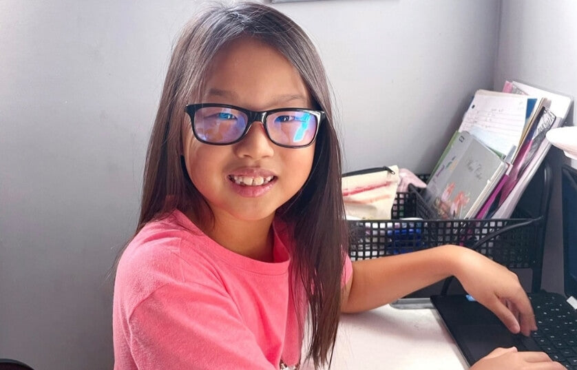 keep your child protected while online learning with Umizato blue blockers