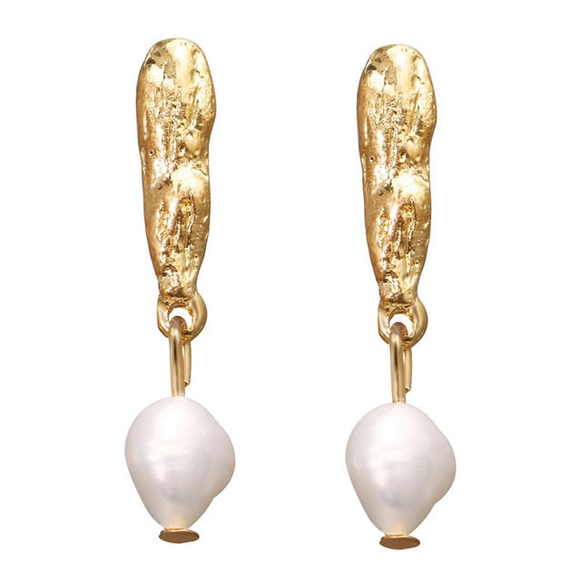 Irregular Pearl Earrings Golden