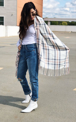 Womens Long Plaid Fringed Scarves in Pink