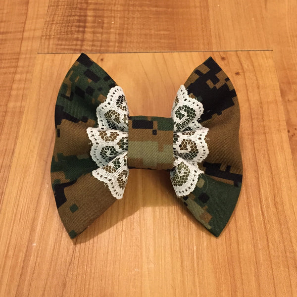 Lace Flair Camo Bow (all branches)