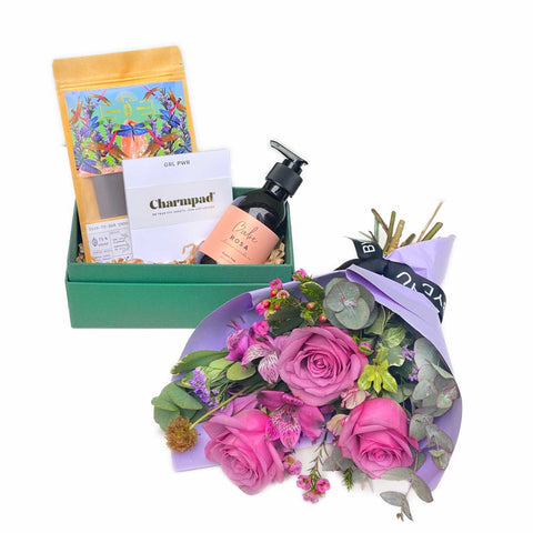 International Women's Day Bouquet and Gift Box Set