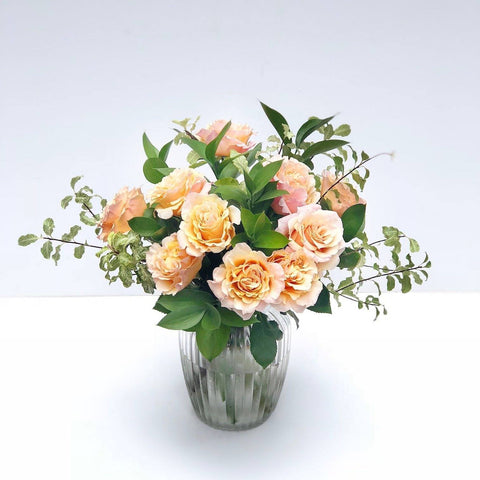 garden rose vase arrangement order online hong kong - The Lottie