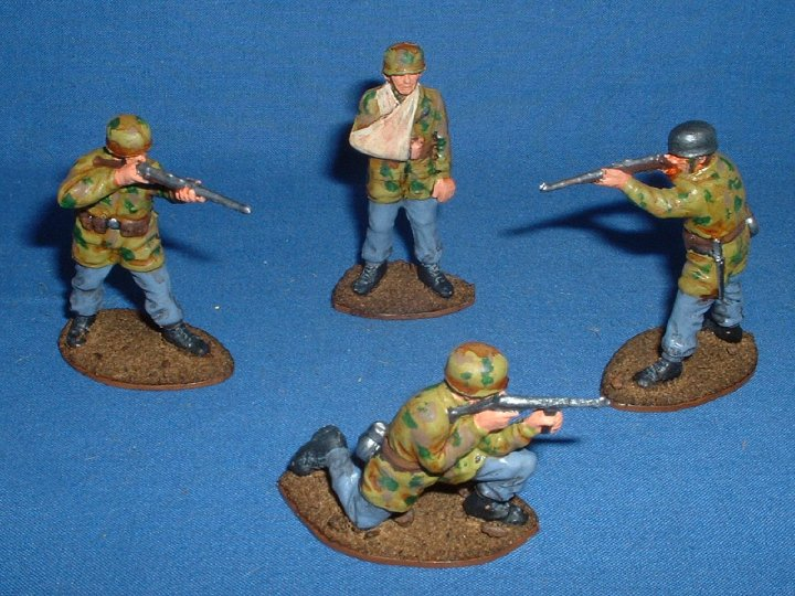 Painted WW2 1/32 scale Airfix German Paratroopers