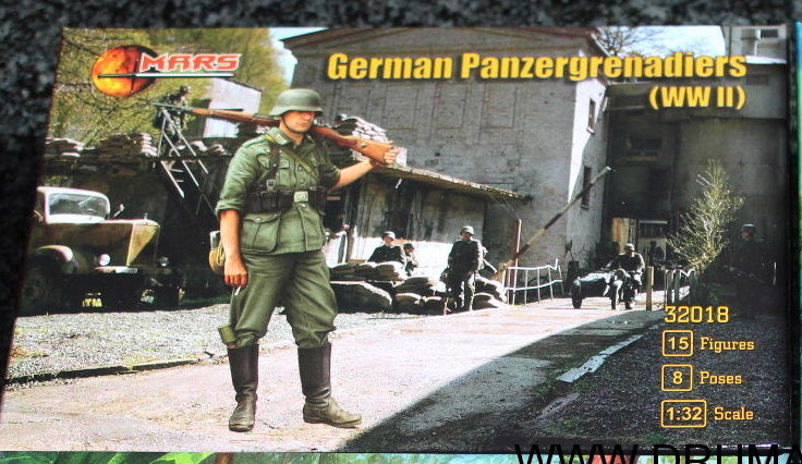 Mars 32018. German Panzergrenadiers WWII. Plastic 1/32 Scale Figures.