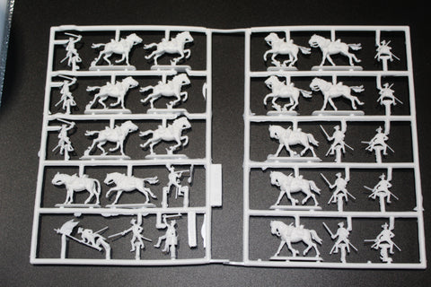 REVELL 02573 SEVEN YEARS WAR AUSTRIAN DRAGOONS. 1/72 SCALE. 15 UNPAINTED FIGURES