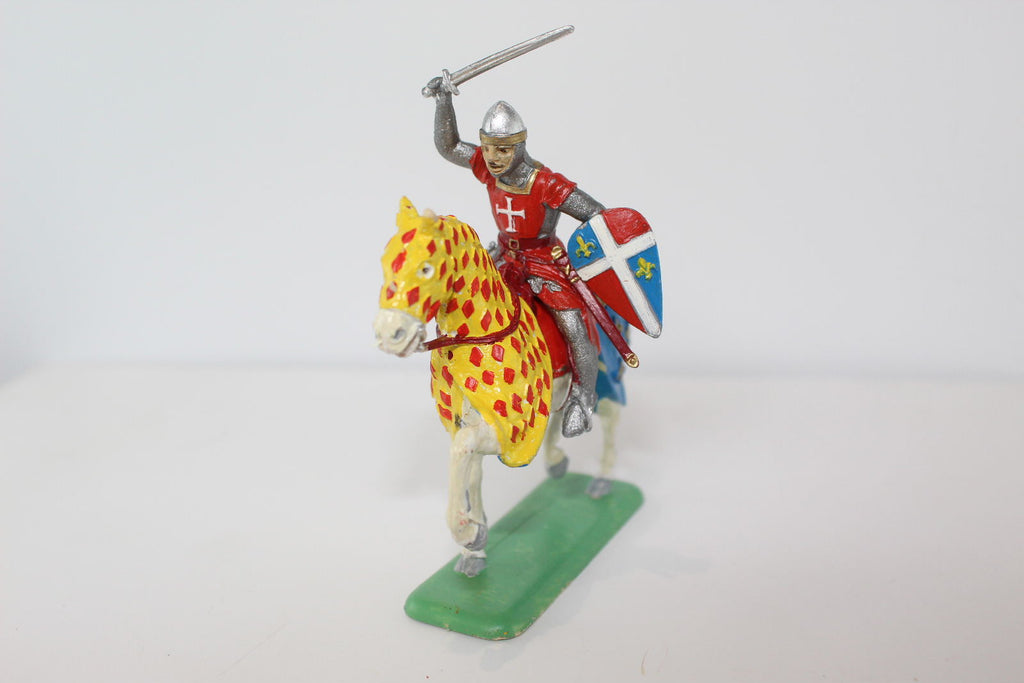 ITALERI PAINTED MEDIEVAL MOUNTED KNIGHT (#25). 1/32 SCALE.