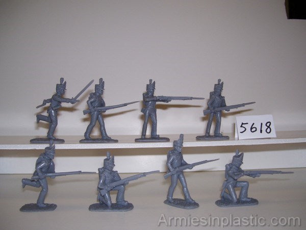 ARMIES IN PLASTIC #5617 - NAPOLEONIC BRITISH INFANTRY - WATERLOO - 1/32 SCALE. RED PLASTIC