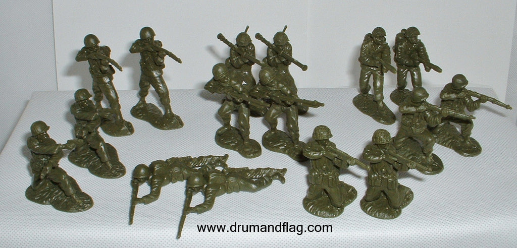CTS - WW2 American Infantry Set #1. 16 figures in 8 poses. 1/32 scale plastic.