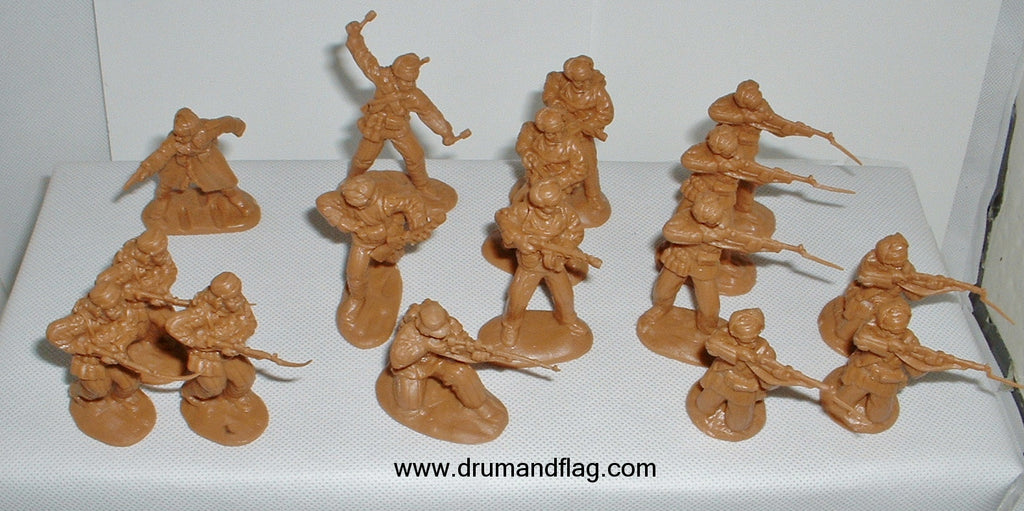 CTS - Chinese Infantry. Korean War. 16 figures in 8 poses. 1/32 scale plastic.