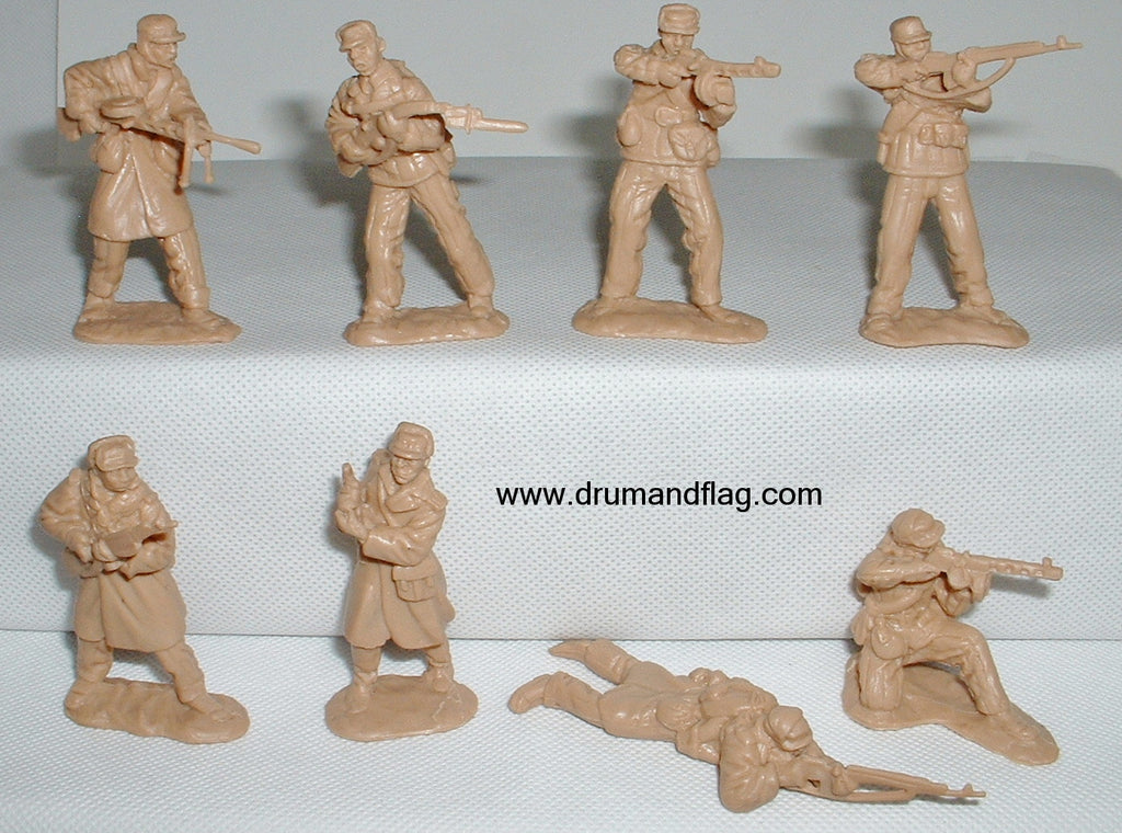 CTS - North Korean Infantry. Korean War. 8 figures in 8 poses. 1/32 scale plastic.