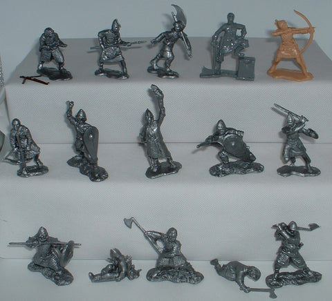 Replicants Normans & Saxons x 15 figures. 1/32 scale (Used)