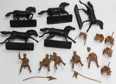 NO BOX - ARMIES IN PLASTIC - BENGAL LANCERS X 5 - 1/32 SCALE - USED.