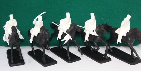 NO BOX - ARMIES IN PLASTIC - EGYPTIAN LANCERS X 5 - 1/32 SCALE - USED.