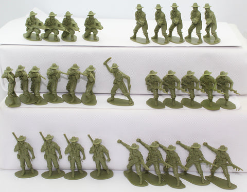 AIRFIX WW2 AUSTRALIAN INFANTRY x 30 FIGURES. 1/32 SCALE. 1 DAMAGED. NO BOX.