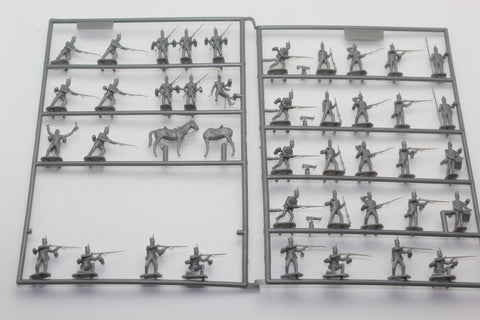 Partial set of EMHAR 7214 NAPOLEONIC BRITISH INFANTRY - PENINSULAR WAR. 1:72 Scale Plastic. No Box