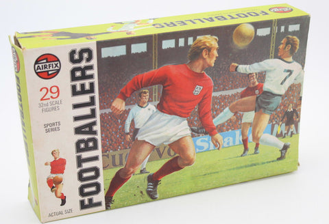 Airfix - Footballers x 44. Plus 2 boxes 1/32 Scale Plastic. Joblot
