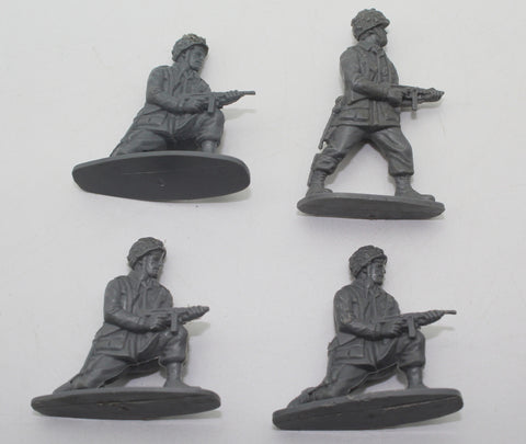 Airfix WW2 US Paratroops x 4 figures. Damaged & Playworn 1/32 Scale.