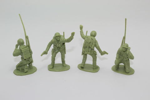 BMC. WW2 US Marines x 4. Unpainted plastic. 1/32 Scale. Used Lot. DF75