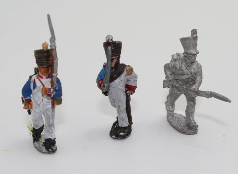Napoleonic French Infantry. 28mm Metal. Used. Make unknown. 3 painted figures.