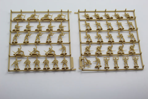 USED. Revell 2506. WW2 US Marines. No Box. 1/72 Scale. (KJ51)