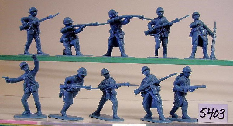 ARMIES IN PLASTIC #5403 - WW1 - FRENCH ARMY IN ADRIAN HELMETS - 1/32 SCALE. HORIZON BLUE