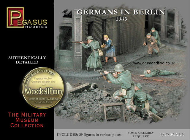 PEGASUS 7228. GERMANS IN BERLIN 1945. 1/72 SCALE. 39 UNPAINTED PLASTIC FIGURES.