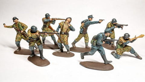 Mars 320??. German Luftwaffe Field Division WWII. Plastic 1/32 Scale Figures.