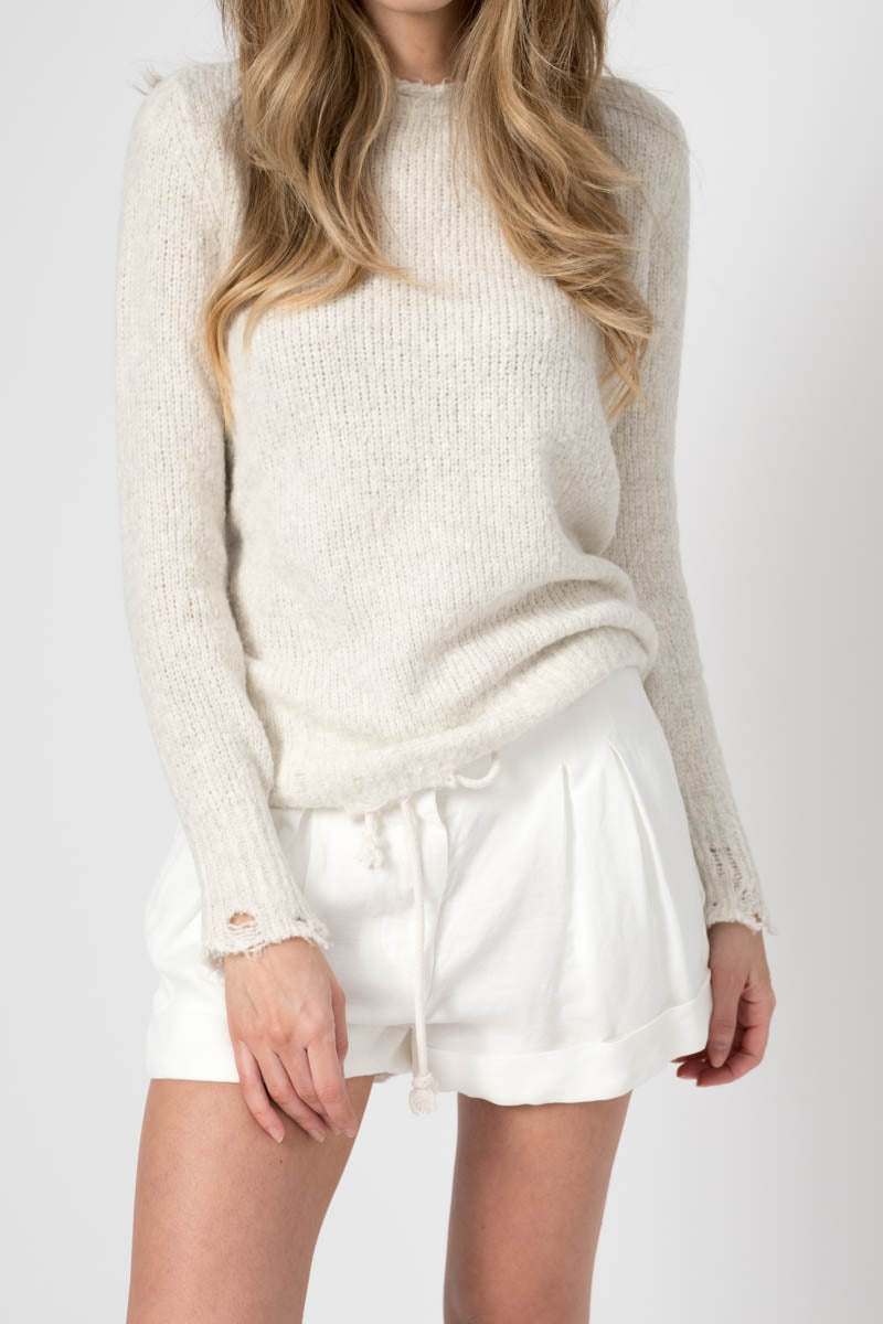 Round Neck Brushed Cotton Pullover With Destroyed Edges in Bianco