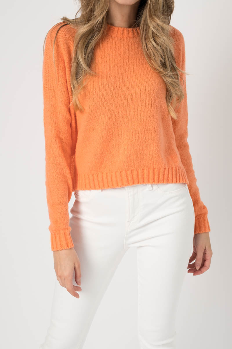 Round Neck Cotton Pullover with Slits in Bellini