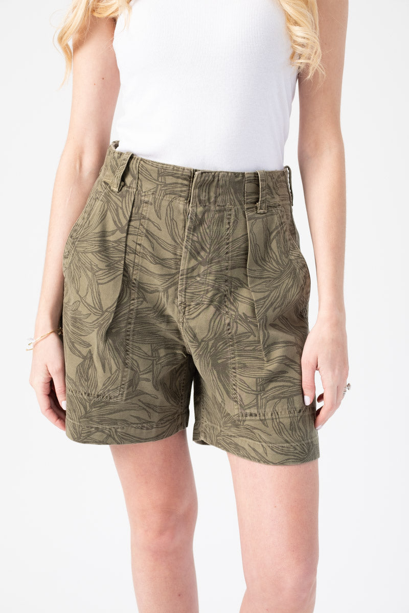 Cassidy Pleat Pocket Short in Palm