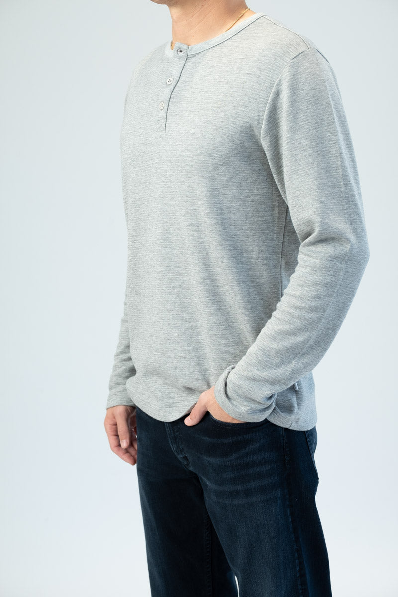Long Sleeve Henley in Gris