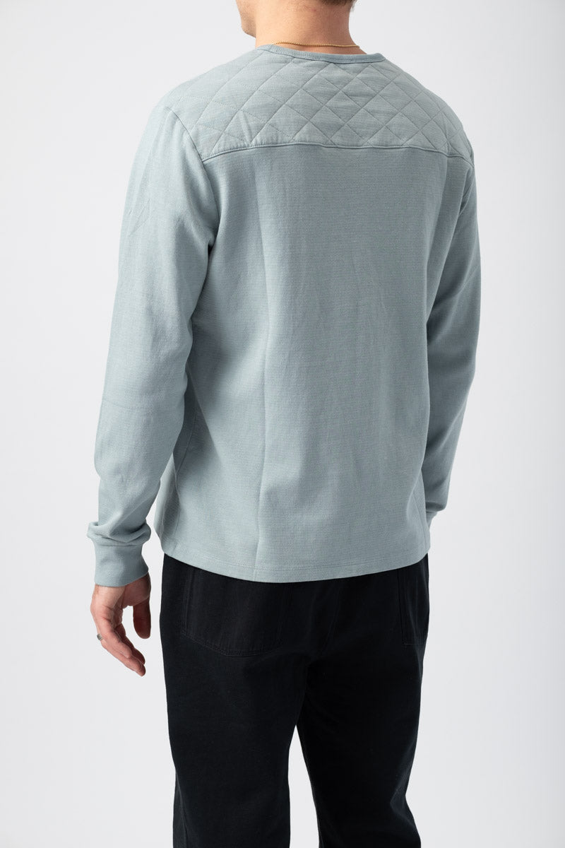 Long Sleeve Quilted Crewneck Shirt in Ice Blue