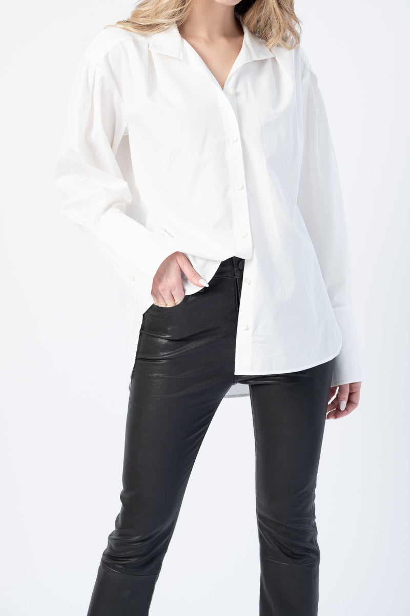 Pleated Clean Collar Shirt in Blanc